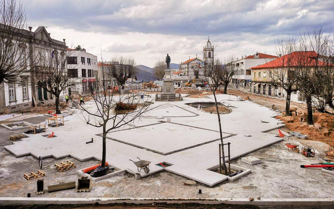 Em obra: reabilitação do Largo do Conde e Praça da Independência